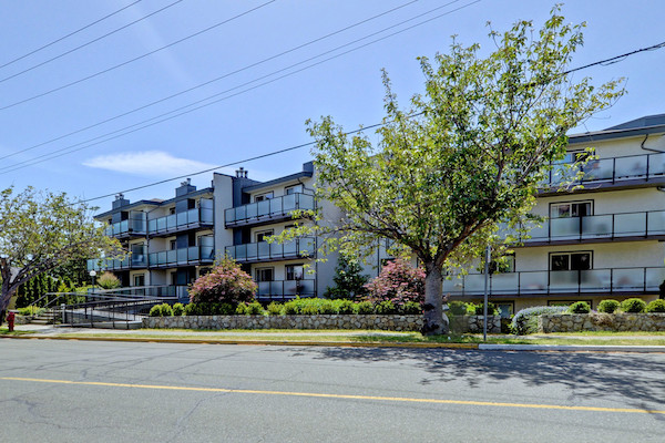 SOLD - $428,000.00 - 107-1241 Fairfield Rd